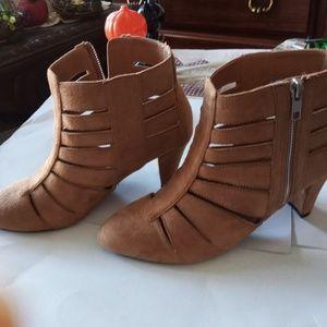 comfortview Shoes - New Light Brown Shoe Sz 8M